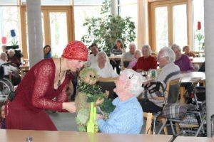 Aufführung im Altenheimen
